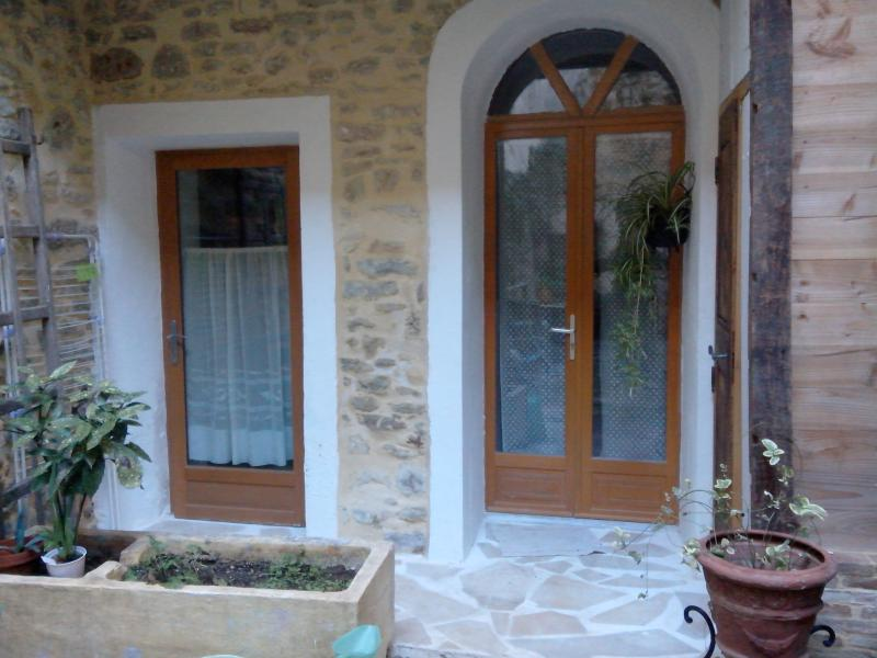 2 room fully furnished flat, casa vacanza a Cavillargues