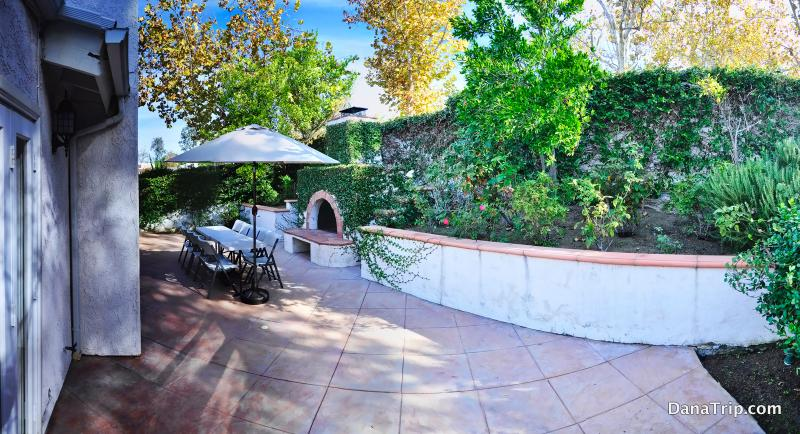 Enjoy the sunny California in this gorgeous backyard.