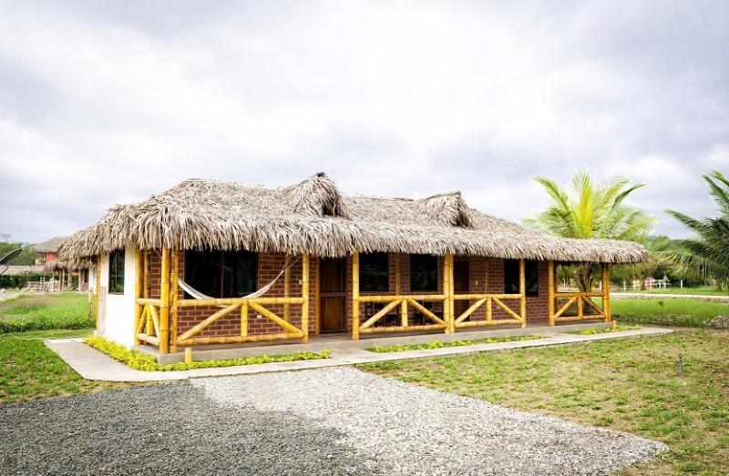 Cabañas Olon, location de vacances à Ayangue