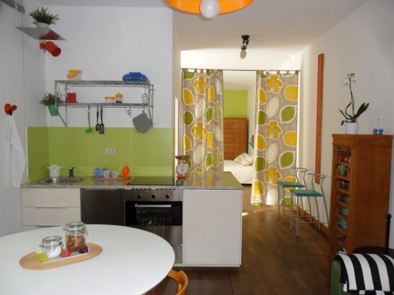 Open space con giardinetto in pieno centro a Cervia, holiday rental in Savio di Ravenna