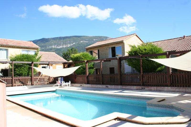 Verdon vacation home with heated pool