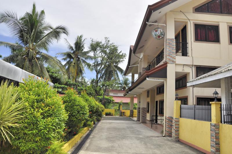 Pal-Watson Apartments 2, holiday rental in Lapu Lapu