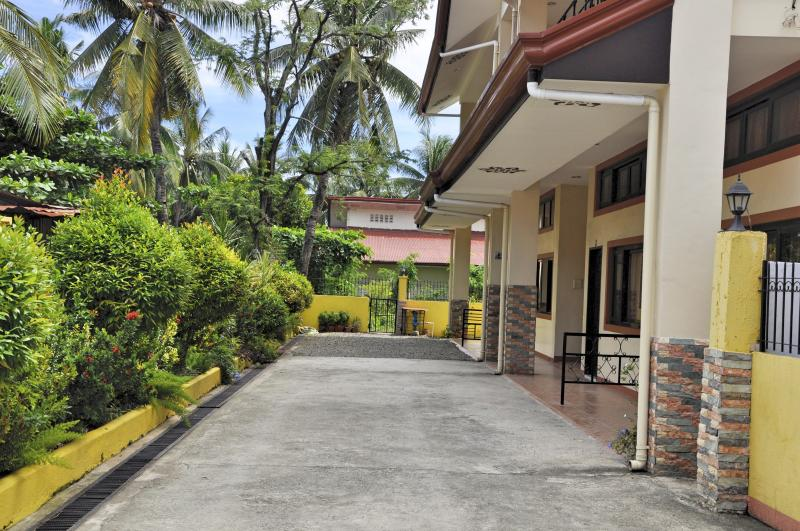Pal-Watson Apartments 4, holiday rental in Lapu Lapu