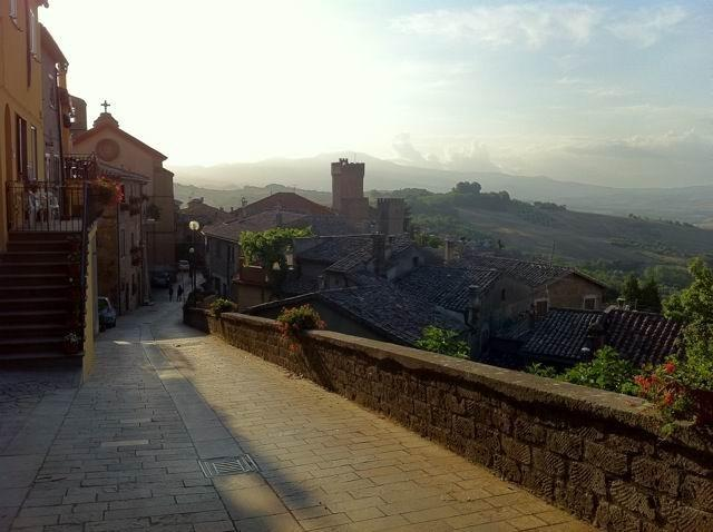 Medieval castle experience, pool, restaurant, medieval museum,Romantic lodging,b, vacation rental in Trevinano