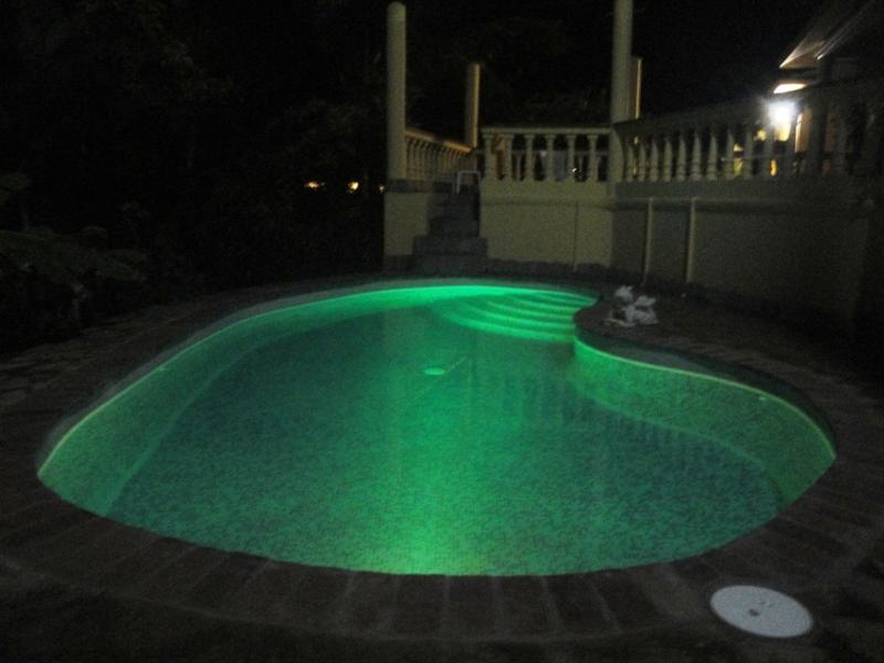 changing pool lights for romantic evenings
