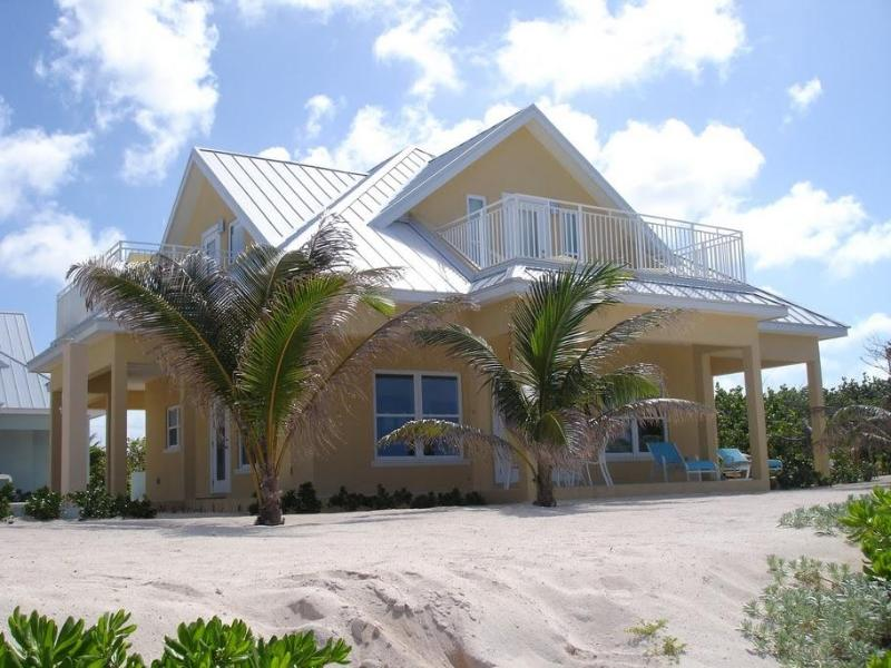 Luxury Home near Rum Point w/ Beachfront Pool, Spectacular Views, # 5 Yellow, holiday rental in North Side