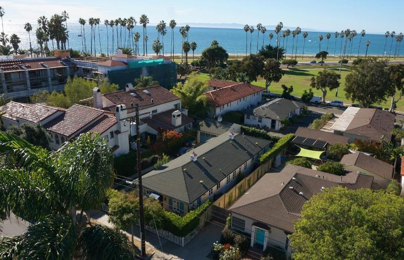 Magnificent Steps From East Beach 2 Bedroom Santa Barbara Cottage Great Complete Home Design Collection Epsylindsey Bellcom