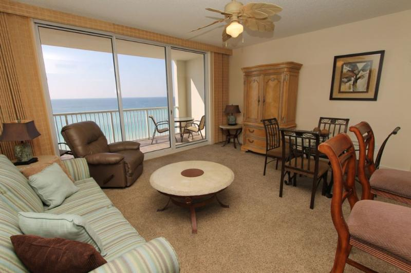 Elegantly Decorated Living Area - Great Gulf Views