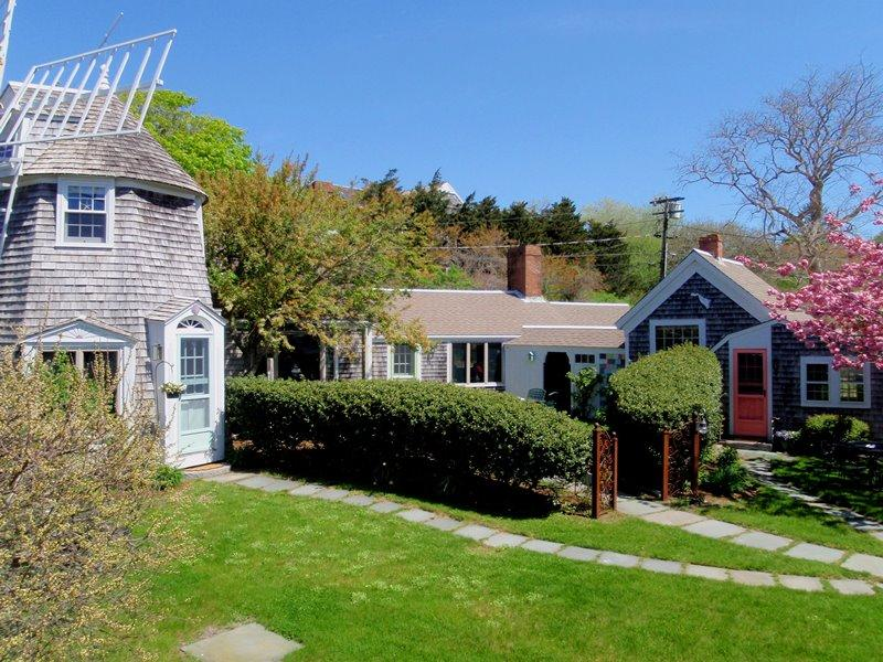 The Windmill has a private entrance - Interested in having others vacation with you but prefer them to have their own accommodations? Ask about the Captains house and the guest house! - 51 Eliphamets Lane (Windmill House) Chatham Cape Cod New England Vaca