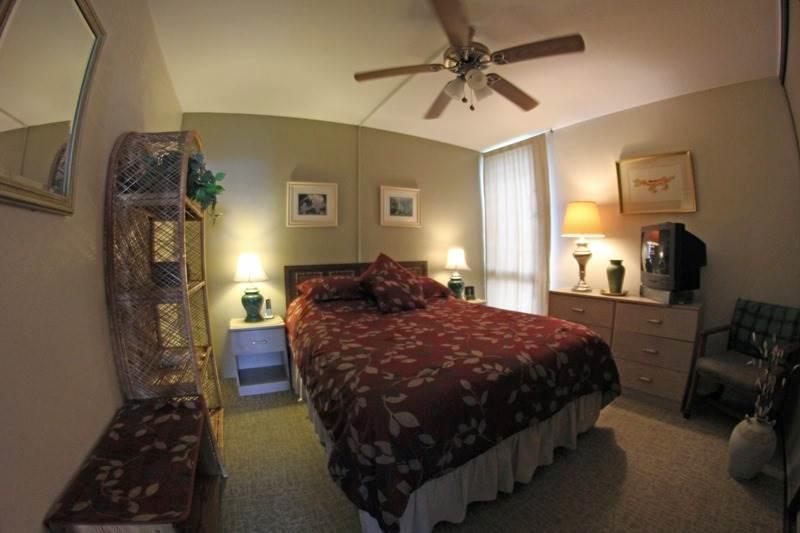 Vault Ceiling,Couch,Furniture,Bedroom,Indoors