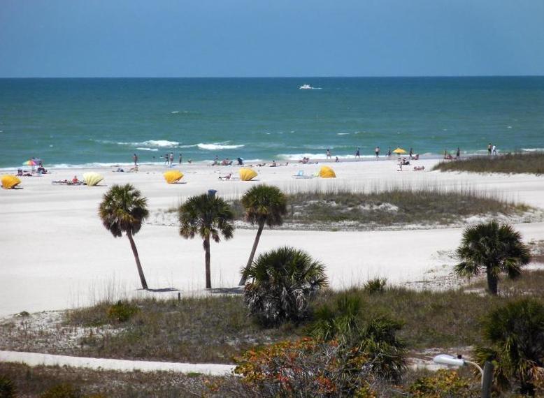 Otra vista de la playa. Es muy relajante y en realidad se puede sentir la brisa del océano.