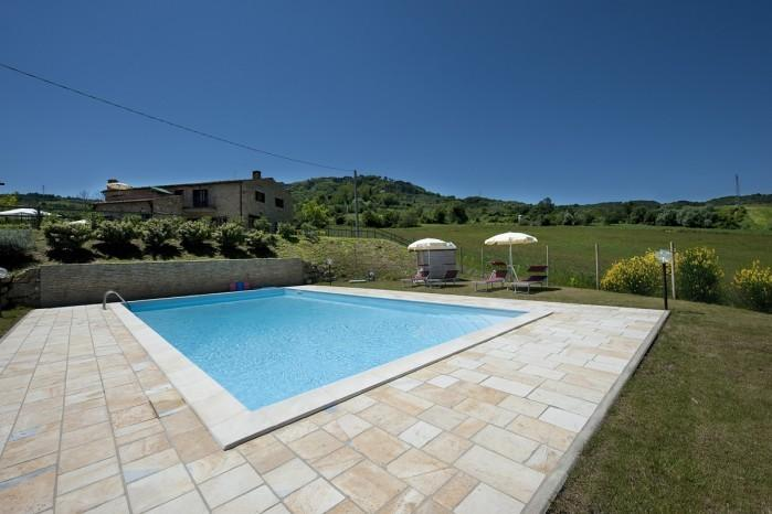 casale villa, quiet lodging, children friendly, swimming pool, countryside view, holiday rental in Rivalto