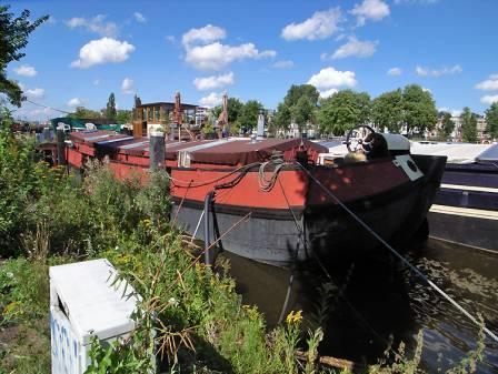 Houseboat Avontuur - streetview