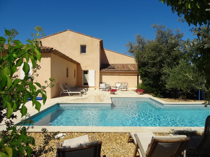 LE VEOU, holiday rental in Rognes