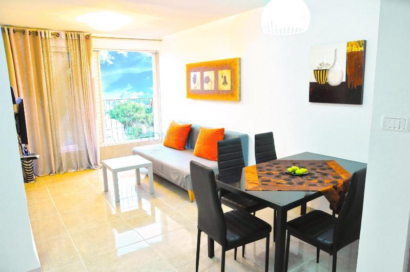 Vally View and Sea vacation, casa vacanza a Haifa