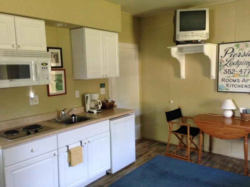 The Nannybird's kitchenette.