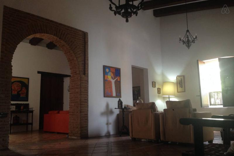 Heart of Santo Domingo Colonial Zone House, vacation rental in Santo Domingo