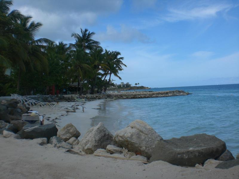 Dickensan Bay