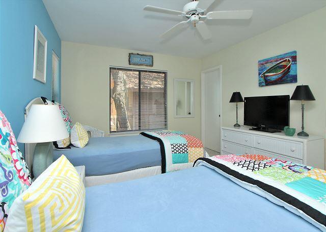 1st Floor Bedroom with 2 Twins