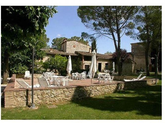 Chianti wine estate,So,lodgings with swimming pool,restaurant,wine / oil tasting, Ferienwohnung in Colle di Val d'Elsa