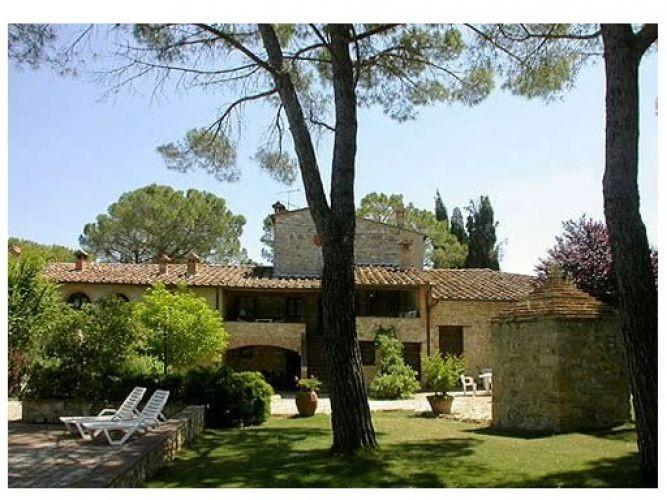 Chianti wine estate,T,lodgings with swimming pool,restaurant,wine / oil tasting, alquiler de vacaciones en Colle di Val d'Elsa