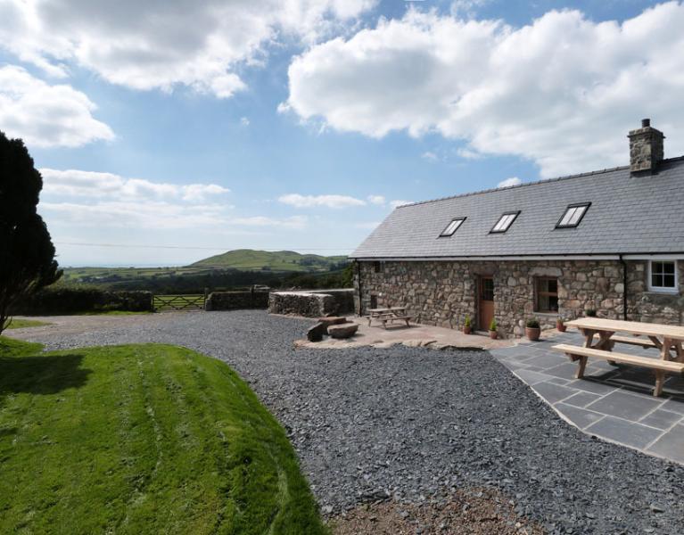 Ysgubor y Waun: Stunning Cottage & Views - 109043, aluguéis de temporada em Tywyn