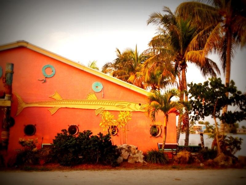 Restaurantes locais a uma curta distância de Matlacha-Cottages