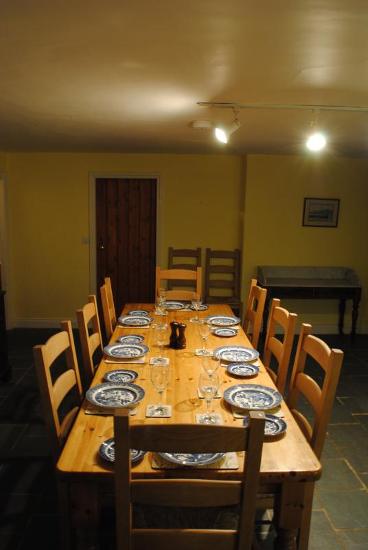 Keukentafel die 10 zit