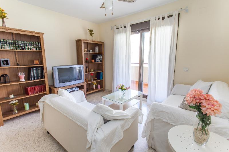 PISO NUEVO CENTRO JEREZ URB. PRIVADA Y CERRADA, holiday rental in Jerez De La Frontera