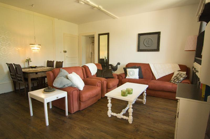 Suite 4 persons, holiday rental in Siradan