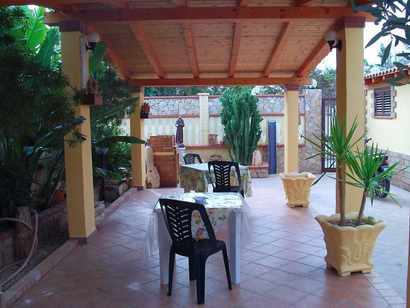 appartamento villa realtà, holiday rental in Grecale