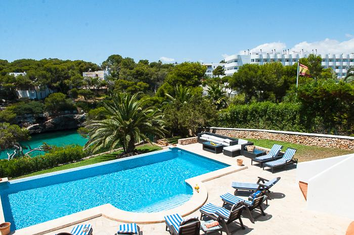 Egos 91, villa for 8 persons with seafront position, holiday rental in Cala Serena