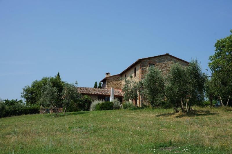 Casina di Arceno - Refurbished Farmhouse - sleeps 6 + 2 - pool - Chianti, location de vacances à San Gusme