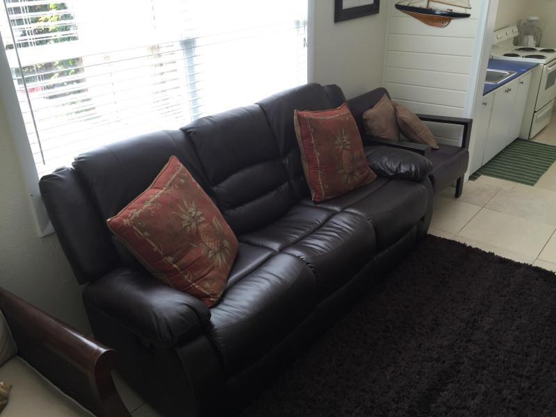 Nouveau Sofa