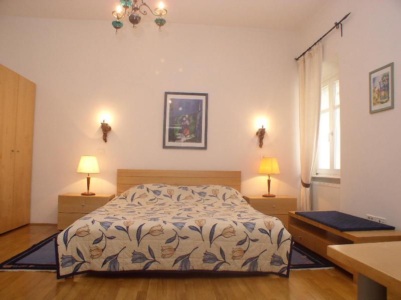 Bedroom Apartment Anton Tour As