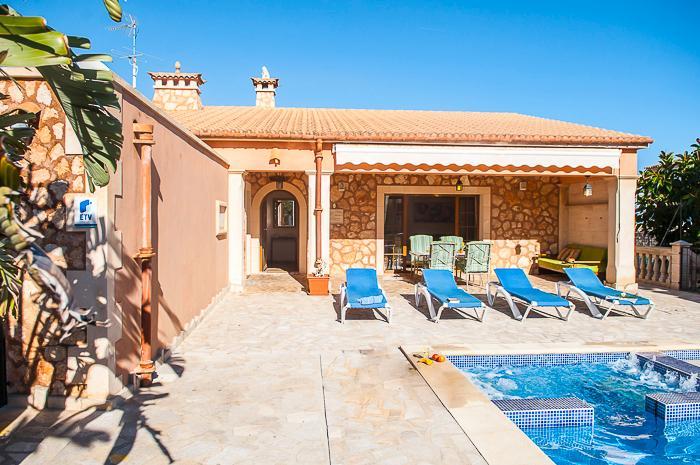 Paula, holiday rental in Cala Marcal