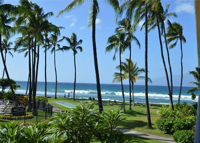 $199 Special to 5-3-21 Ocean View 2nd Floor Unit - Awesome View, vacation rental in Maui