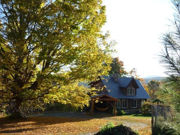 HICKORY RIDGE VERMONT LOG CABIN, holiday rental in Green Mountains
