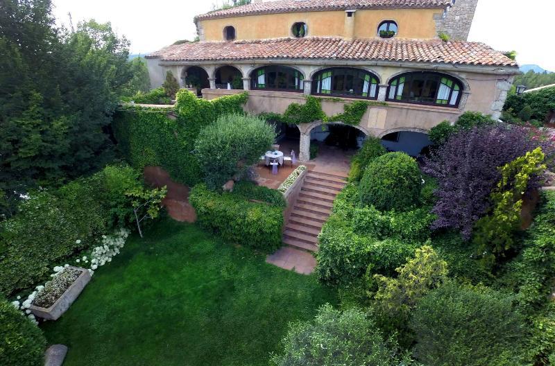 Pode Olle de la Guardia. casa Espigol. No meio da natureza, com piscina privada e jardim.