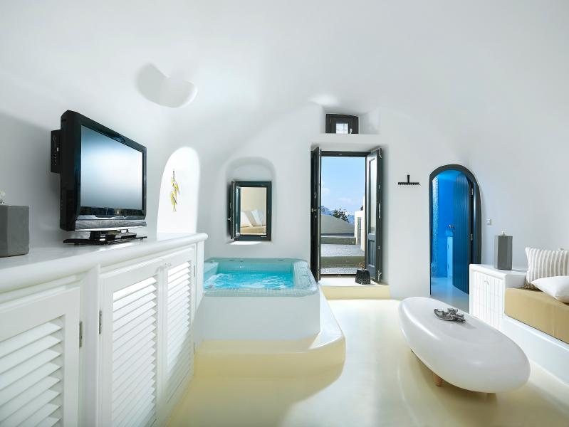 Living Room - Double Jacuzzi