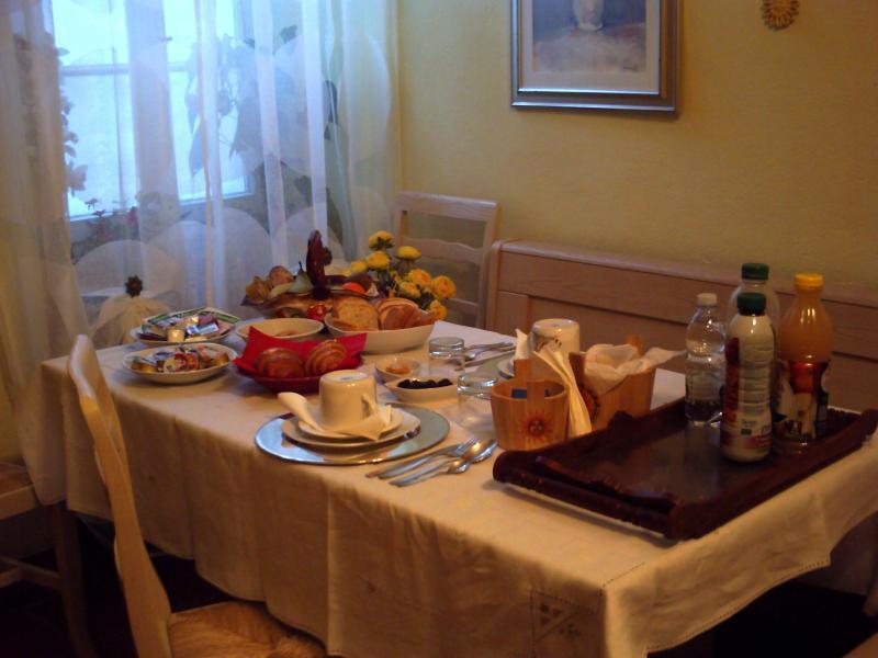 tavola della prima colazione