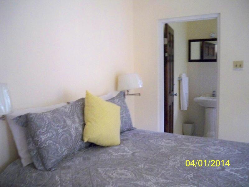Hibiscus suite