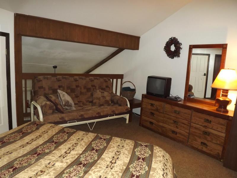 Futon in loft slaapkamer