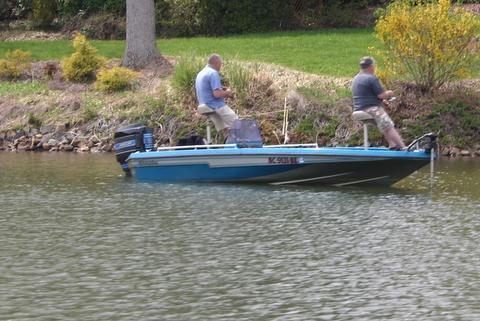 Profitez de la pêche.  N'est pas un bateau... locations sont près de.