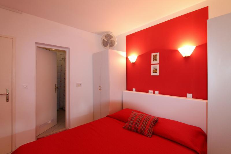 Cozy Room for Two 2, alquiler de vacaciones en Sudurad