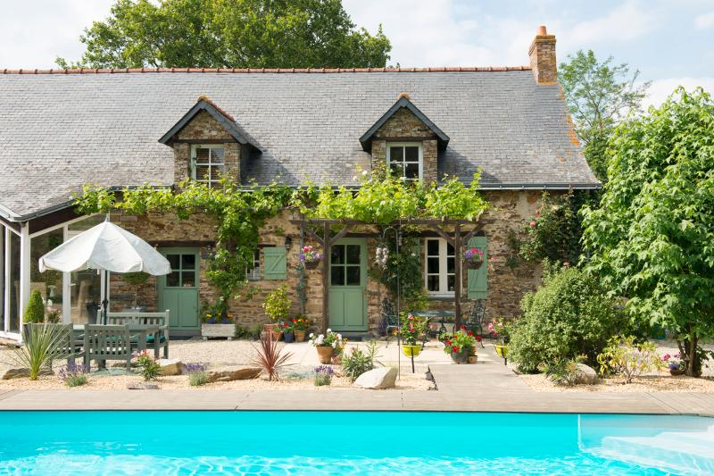 Beautiful farmhouse with heated swimming pool