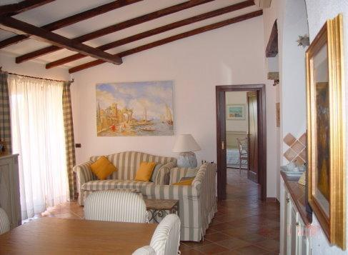 APPARTAMENTO CON TERRAZZO VISTA MARE, vacation rental in La Maddalena