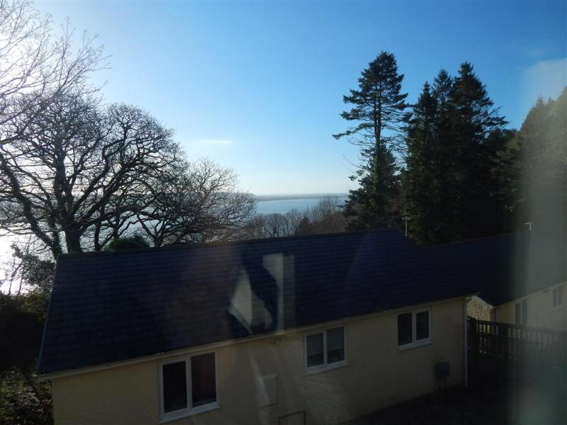 2 Bedroom Bungalow, Bungalow number 3, sleeps up to 5 persons, Pet Friendly, holiday rental in Aberdovey