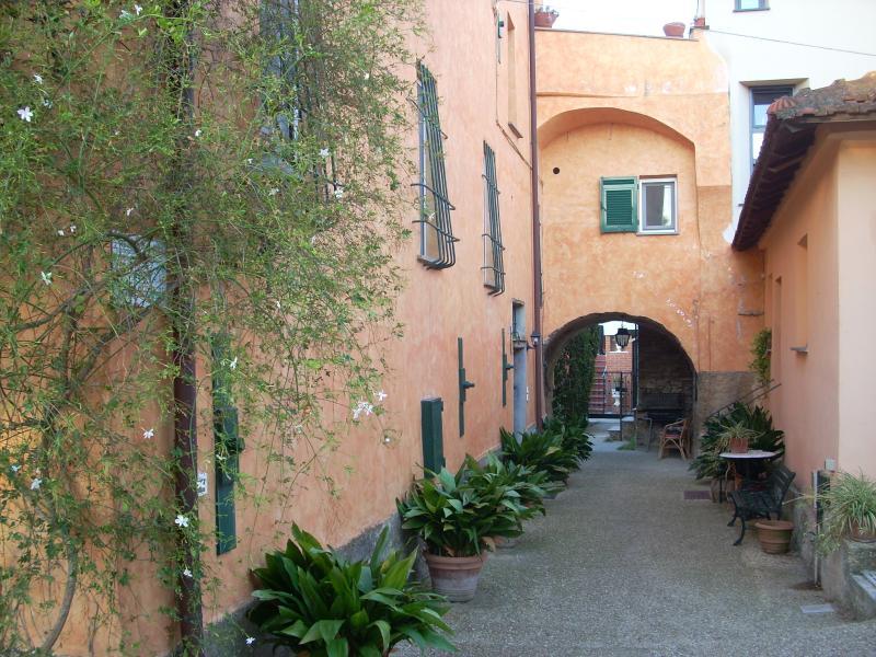 Borgo Muratori: front of the building