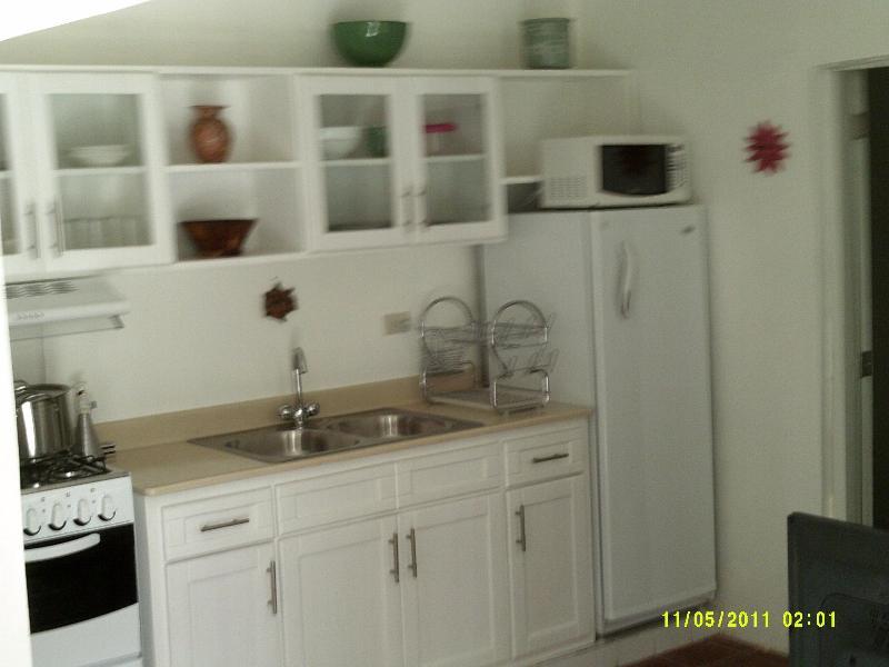 stove w/oven; double sink; fridge